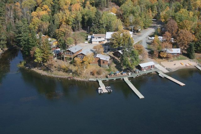 Indianhead lodge on northern ontario 39 s lake of the woods for Lake of the woods fishing lodges