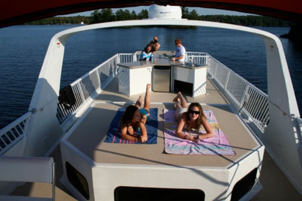 Renting a Boat in Ontario What You Need to Know and Who Can Help