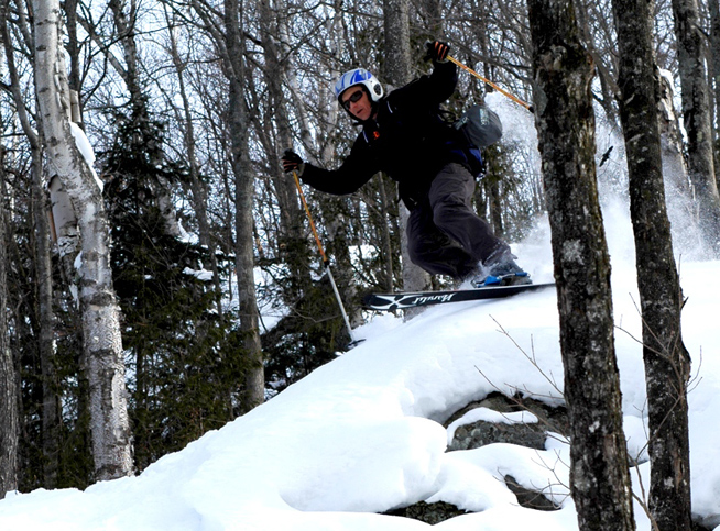 Telemark-skiing-Algoma-Hills-Conor-Mihell