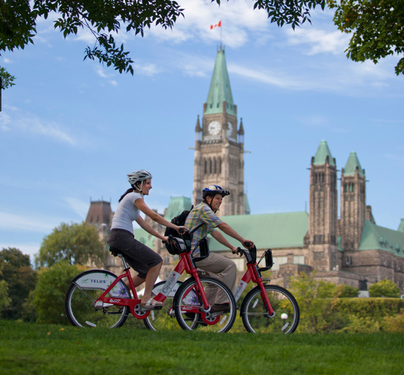 Ottawa-cycling-National-Capital-Commission-Photo