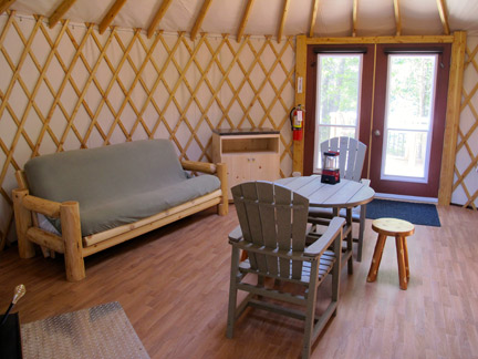 Bruce-Peninsula-National-Park_Inside-of-Yurt