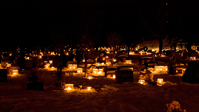 Emily Poschner photographes the Lake of the Woods Cemetery Christmas Eve