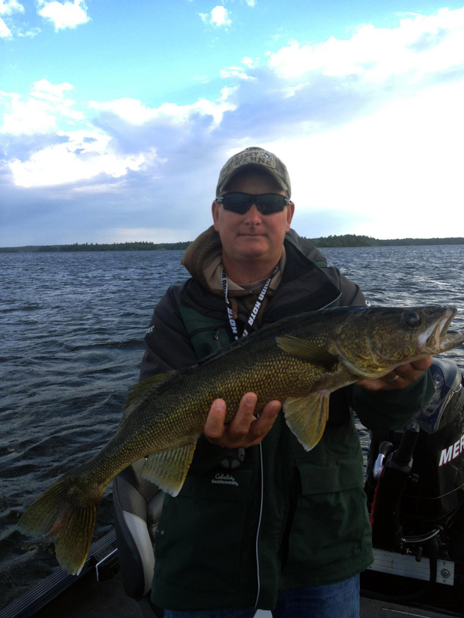 Sunset country 39 s best fish photos of 2013 no fish tales for Fall walleye fishing