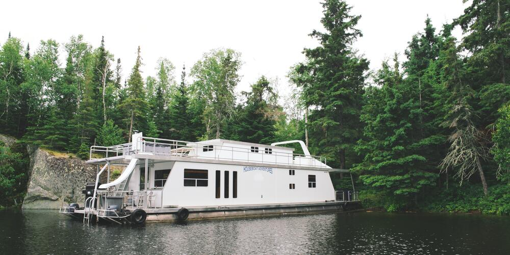 Cabins That Float - Houseboat Vacation in Ontario's Sunset
