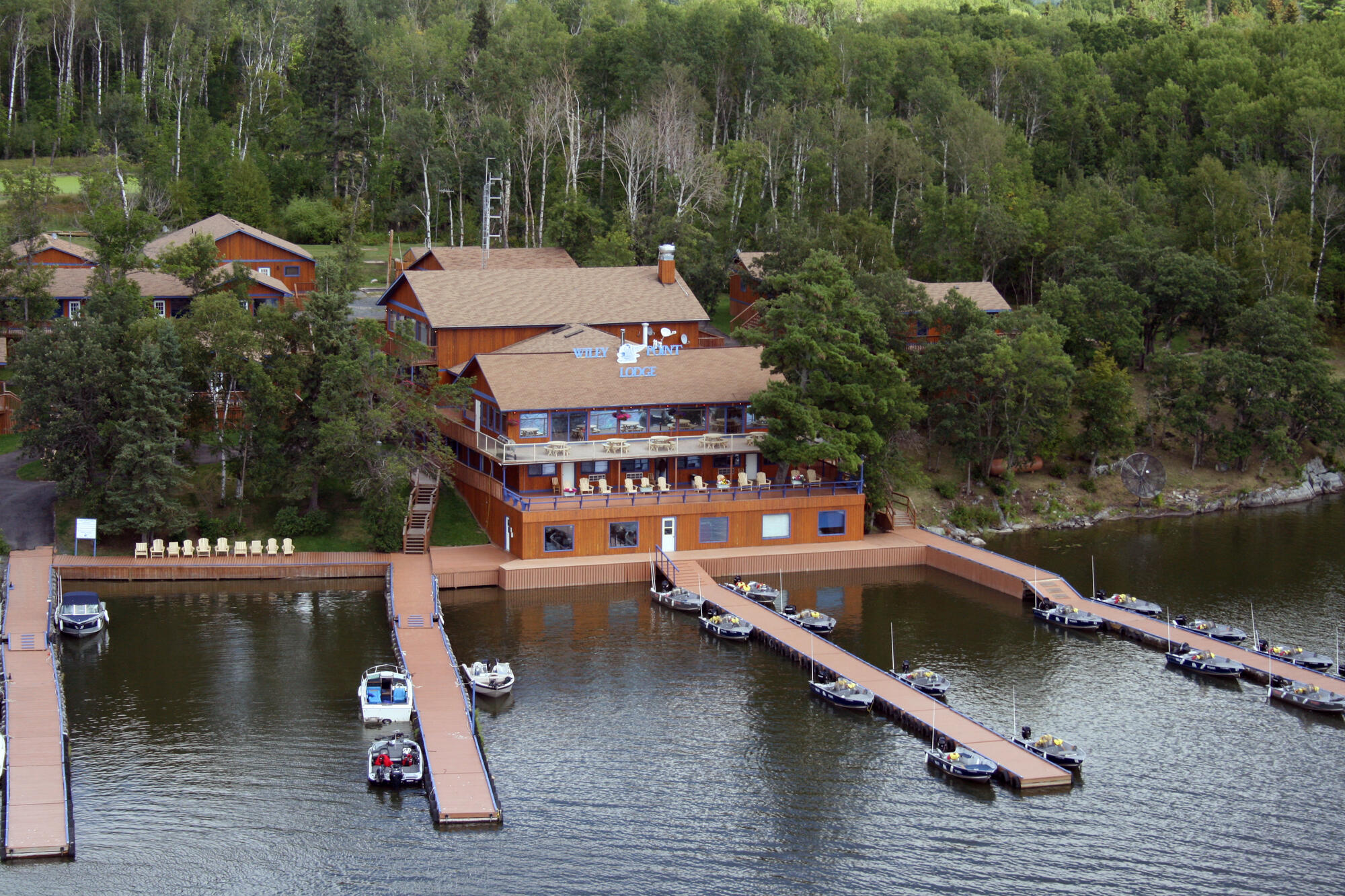 Lake of the woods sioux narrows and wiley point lodge for Lake of the woods fishing lodges
