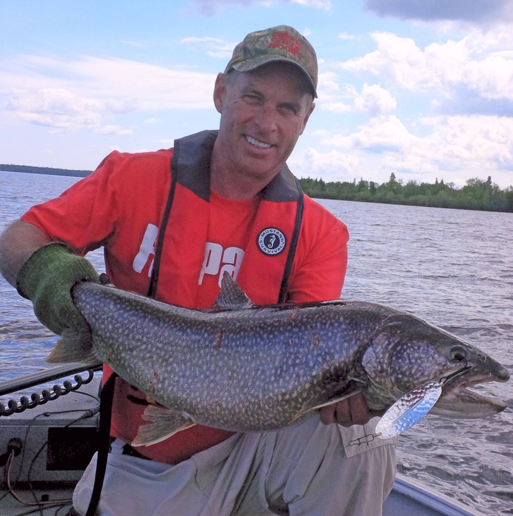 The summer lake trout trolling game northern ontario travel for Lake fishing games