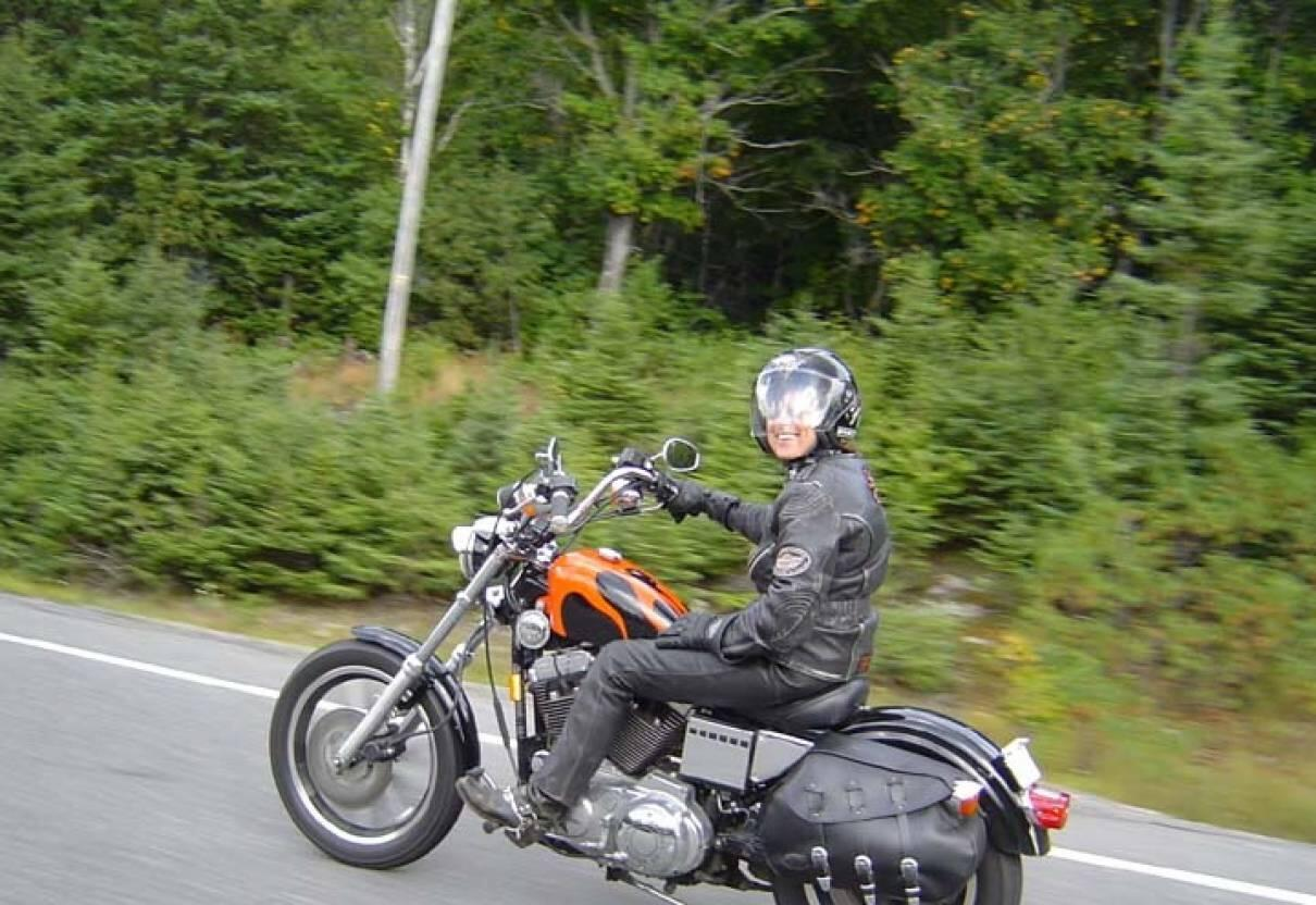 Travel on a motorcycle: routes, reviews. Motorcycle gear 40