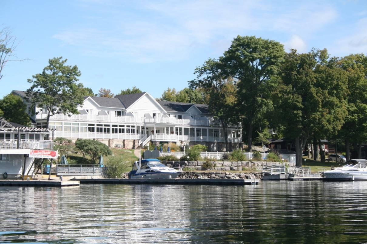 Stoney lake 39 s viamede resort a must visit northern for Ontario canada fishing resorts