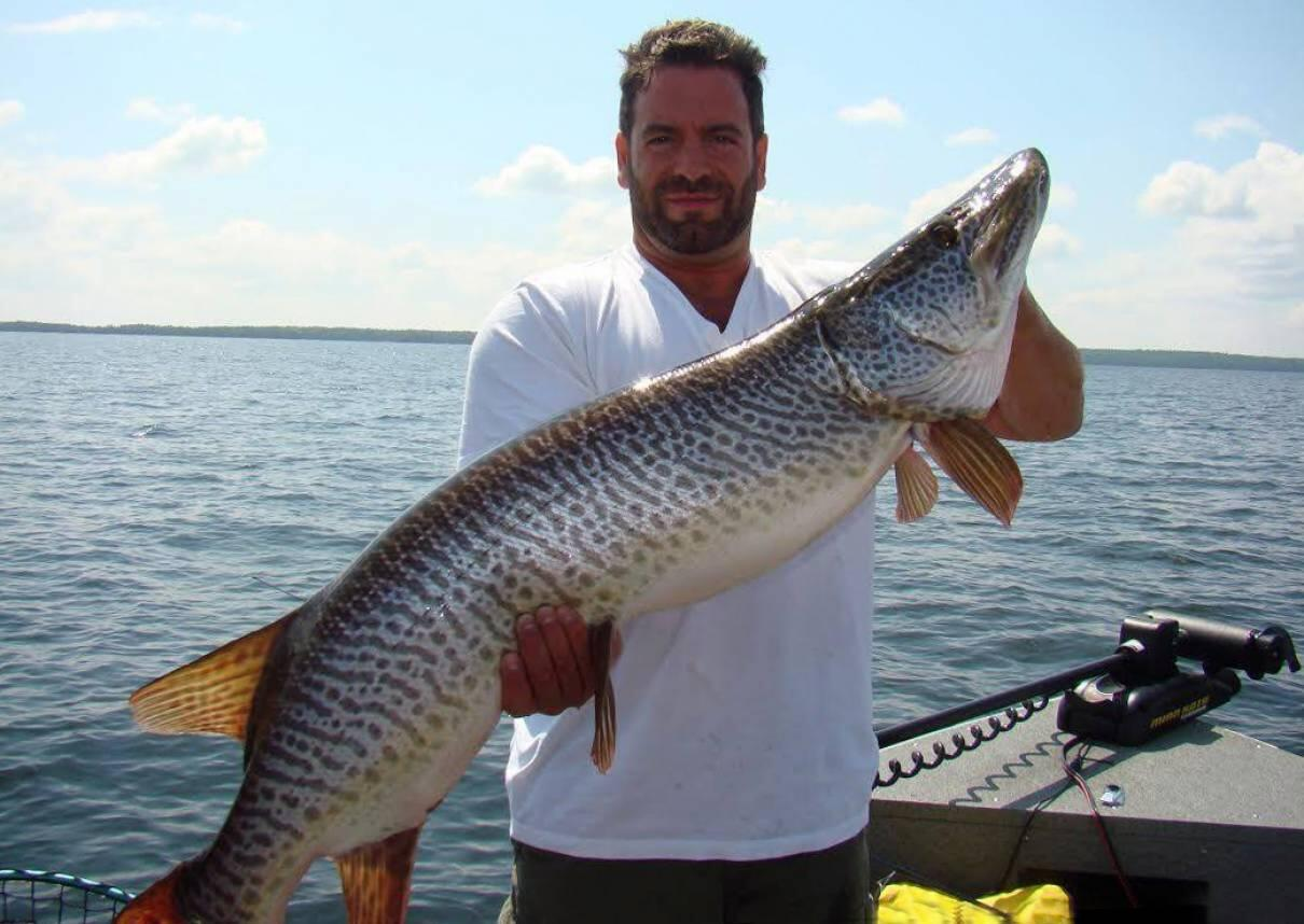 Slot size for pike in ontario red and black 11