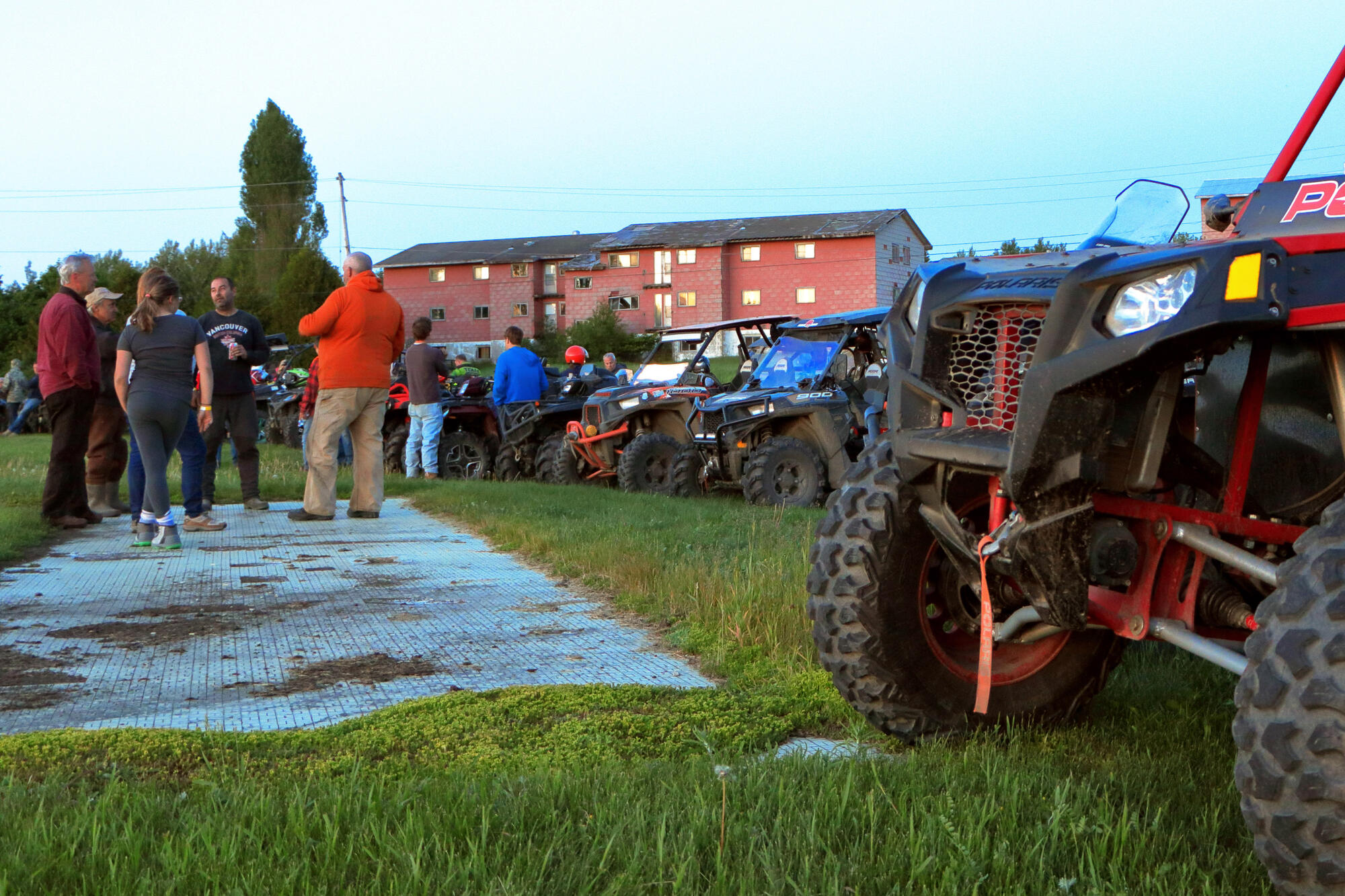 b101 or bust weekend and the atv trails of renfrew county northern ontario travel. Black Bedroom Furniture Sets. Home Design Ideas