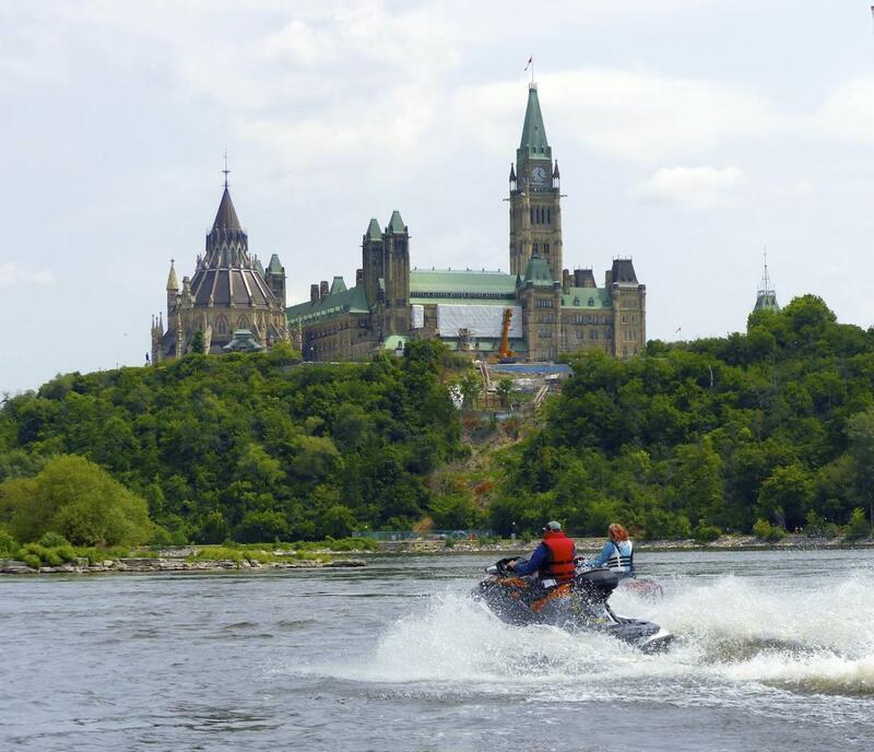 Cruising the Lower Ottawa River - From Montreal to Ottawa on