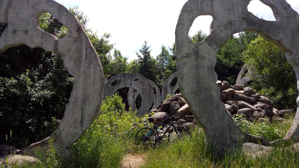 Large concrete sculptures of screaming heads