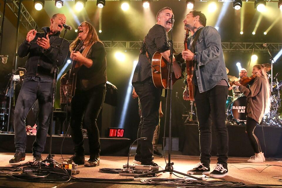 Barney Bentall, Alan Doyle, and the Barenaked Ladies rocking out at the 2017 Thunder Bay Blues Fest