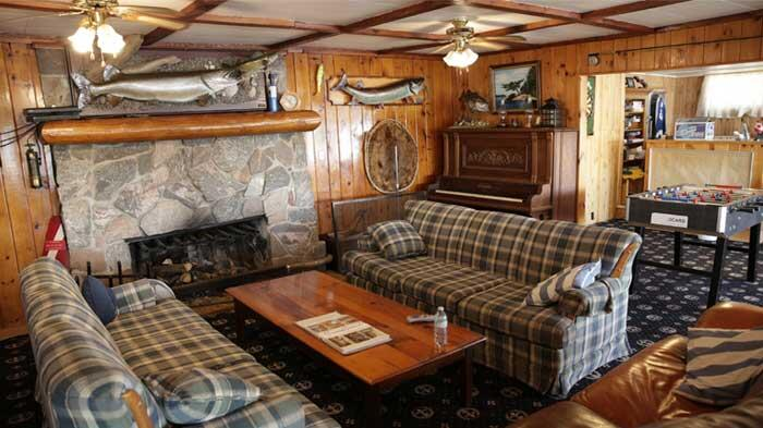 chaudiere lodge interior game room