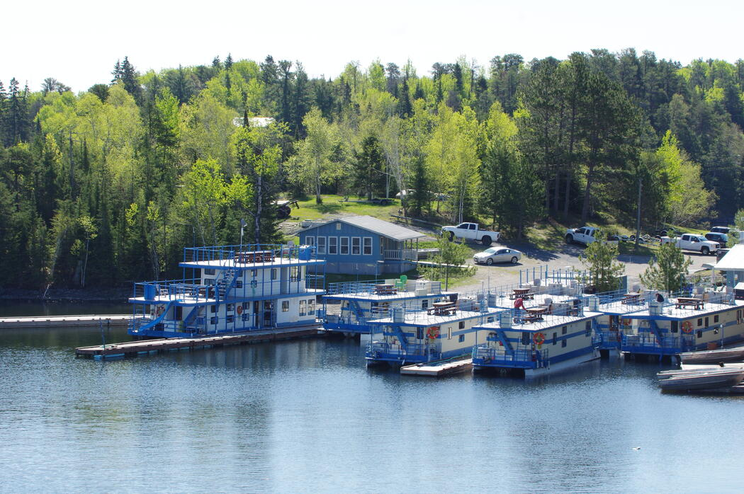 Cabins That Float - Houseboat Vacation in Ontario's Sunset Country