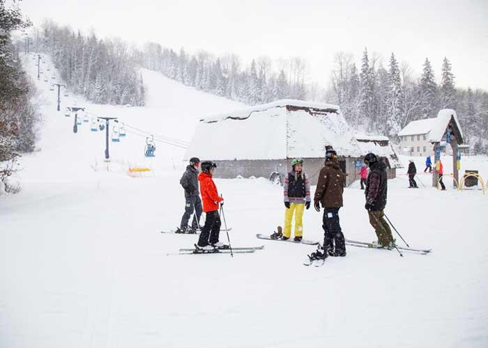 searchmont resort group of skiiers