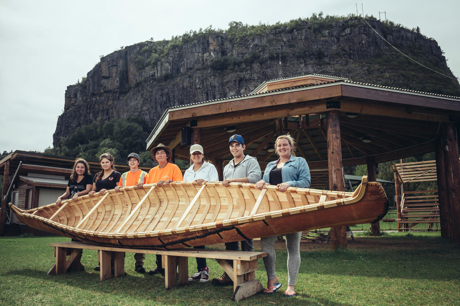 For The Past Two Years Gail Bannon Fort William First Nations Community And Recreational Coordinator Has Lead Youth Who Have Built Birchbark Canoes