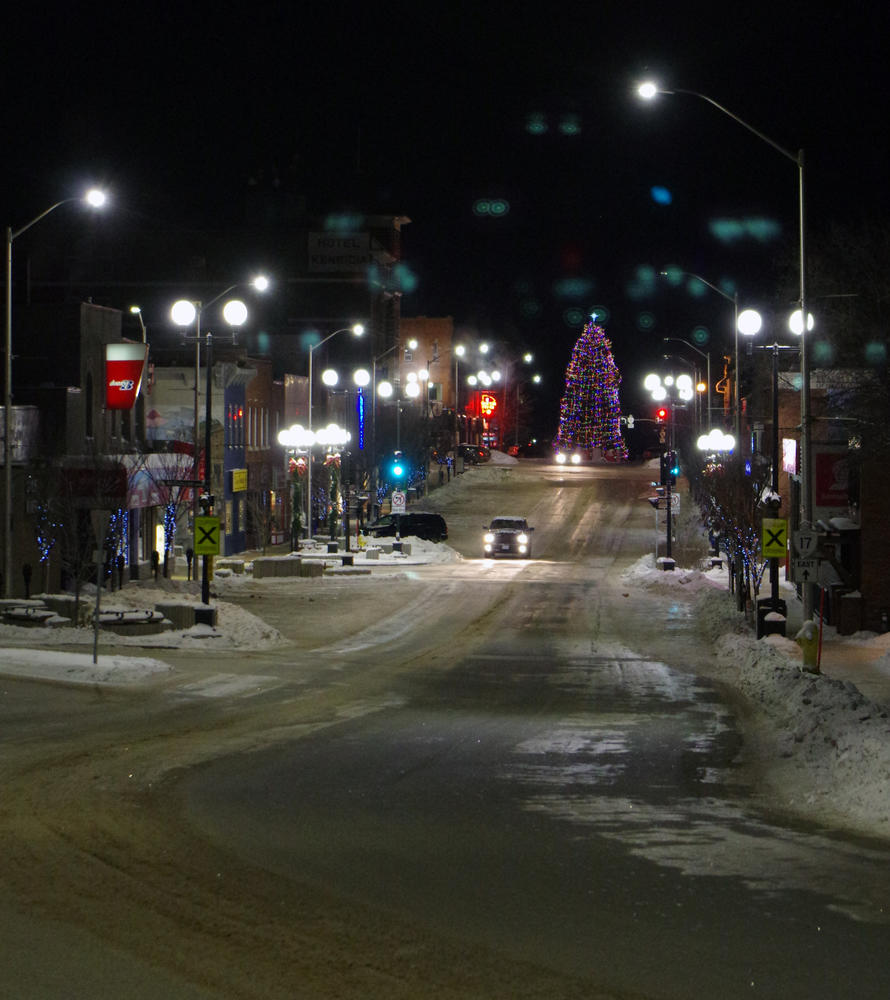 Kenora Christmas Tree On Main Street Northern Ontario Travel