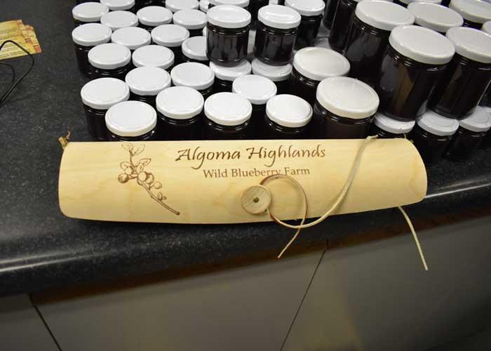 algoma highlands blueberry farm wooden gift package