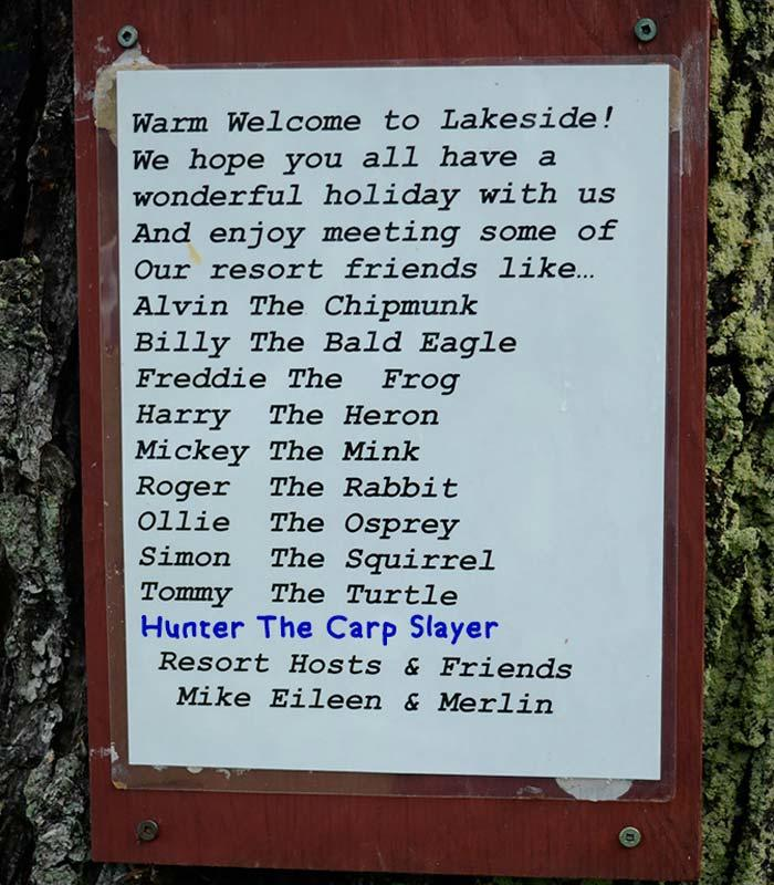 lakeside cottages sign