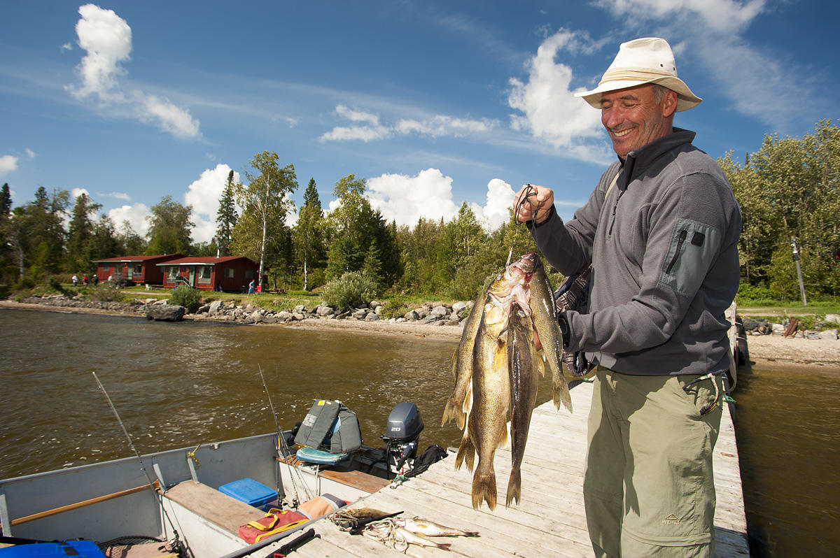 windy-point-lodge-walleye